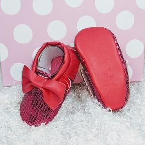 🌸Adorable Pink leather sequin moccasins